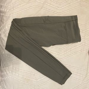 Lululemon Leggings Fast and Free! Gorgeous green!